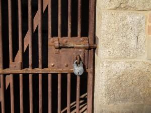 lock-up2